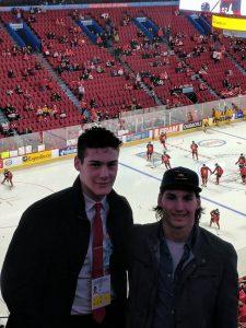 Jesse Mallais pose avec son ami Philippe Myers, mercredi, à Montréal. - Gracieuseté